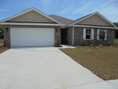 Long Beach Single Family Home For Sale: 409 E Petunia Dr