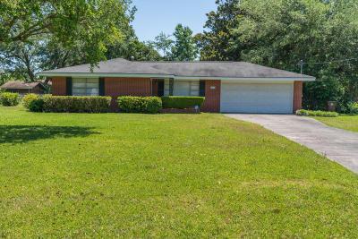 Long Beach Single Family Home For Sale: 104 Clower Ave