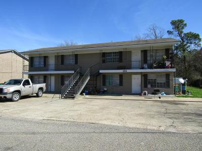 Long Beach Multi Family Home For Sale: 104 Park Row Ave