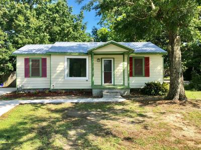 Long Beach Single Family Home For Sale: 1117 E Old Pass Rd