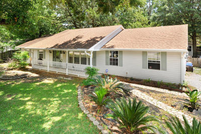 Long Beach Single Family Home For Sale: 1154 E Old Pass Rd