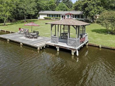Ocean Springs Single Family Home For Sale: 6109 Shore Dr