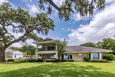 Ocean Springs Single Family Home For Sale: 231 Front Beach Dr