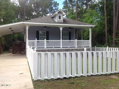 Bay St. Louis Single Family Home For Sale: 6009 E Desoto St