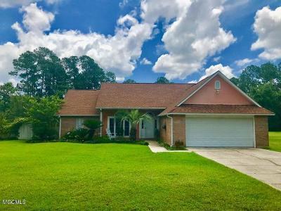 Ocean Springs Single Family Home For Sale: 2004 Beachview Dr