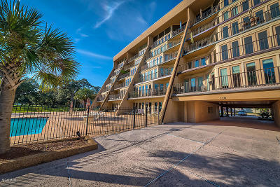 Biloxi Condo/Townhouse For Sale: 520 Beach Blvd #602