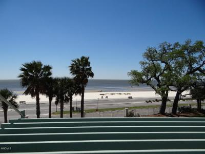 Gulfport Condo/Townhouse For Sale: 2228 Beach Dr #205