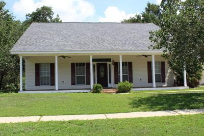 Long Beach Single Family Home For Sale: 9 Lisa Ct