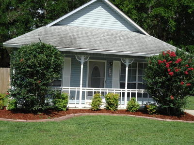 Gulfport Single Family Home For Sale: 405 St Charles Ct