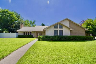 Long Beach Single Family Home For Sale: 100 McGuire Dr