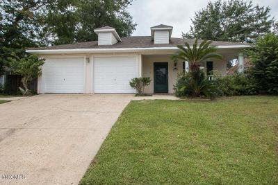 Biloxi Single Family Home For Sale: 955 Bluff Ridge