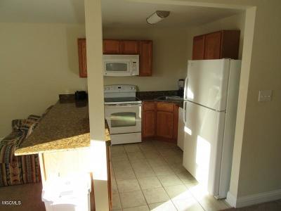 Biloxi Condo/Townhouse For Sale: 1664 Beach Blvd #86