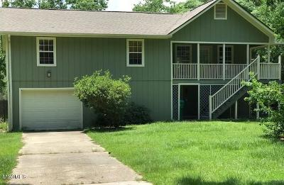 Gulfport Single Family Home For Sale: 11243 Creek Dr