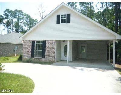 Diamondhead Single Family Home For Sale: 8413 Ieke Dr