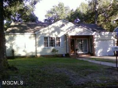 Biloxi MS Single Family Home For Sale: $143,900