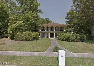 Ocean Springs Single Family Home For Sale: 104 Blue Heron Blvd