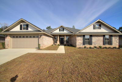 Gulfport Single Family Home For Sale: 14470 Canal Loop