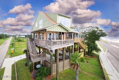 Long Beach Single Family Home For Sale: 830 W Beach Blvd
