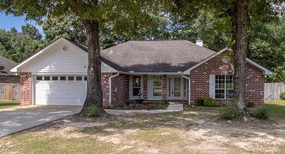 Diamondhead Single Family Home For Sale: 98175 Golf Club Dr
