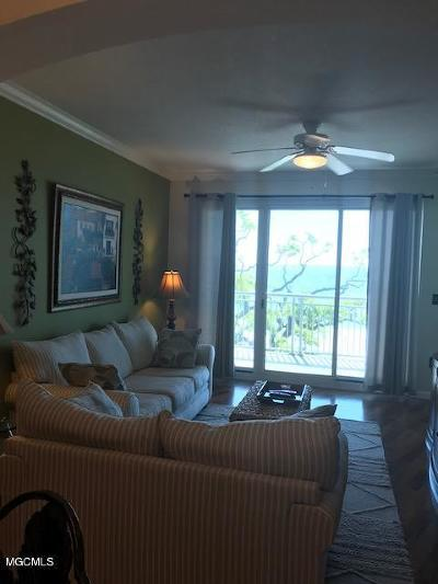 Gulfport Condo/Townhouse For Sale: 2228 Beach Dr #403