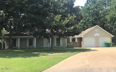 Ocean Springs Single Family Home For Sale: 425 Inverness Ct