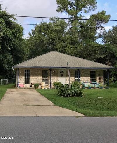 Ocean Springs Single Family Home For Sale: 2808 N 19th St