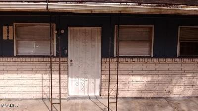 Pascagoula MS Multi Family Home For Sale: $97,000