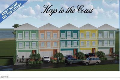 Long Beach Condo/Townhouse For Sale: 37 Oak Alley Ln