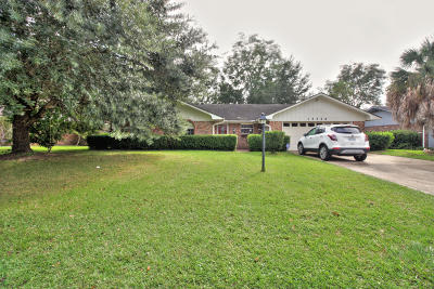 Gulfport Single Family Home For Sale: 15556 S Parkwood Dr