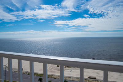 Biloxi Condo/Townhouse For Sale: 2668 Beach Blvd #1005