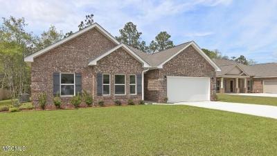 Ocean Springs Single Family Home For Sale: 1017 Gannett Dr