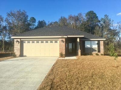 Gulfport Single Family Home For Sale: 14478 Canal Loop