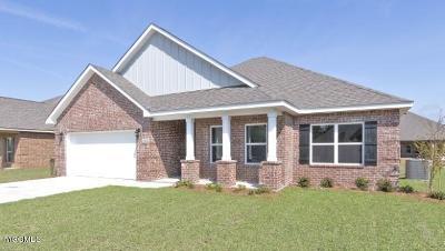 Ocean Springs Single Family Home For Sale: 1021 Gannett Dr