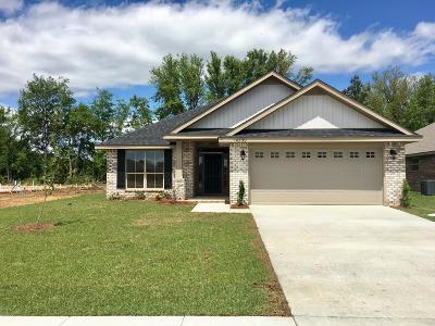 Gulfport Single Family Home For Sale: 14530 Canal Loop