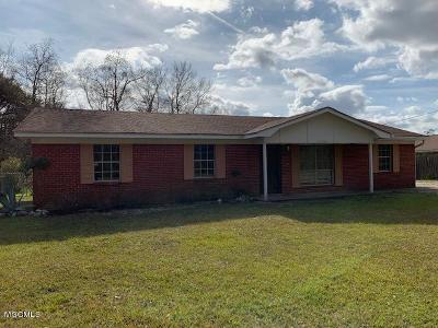 Gulfport Single Family Home For Sale: 11736 Lorraine Rd