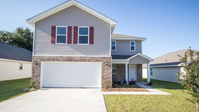 Long Beach Single Family Home For Sale: 235 Lantana Blvd