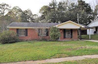 Biloxi MS Single Family Home For Sale: $103,000