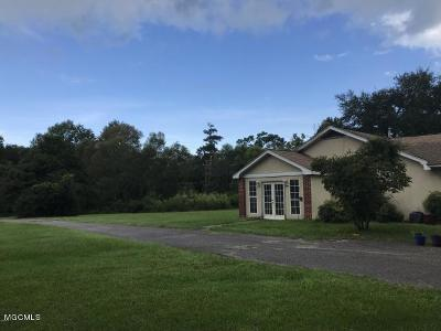 Ocean Springs Single Family Home For Sale: 3405 Government St