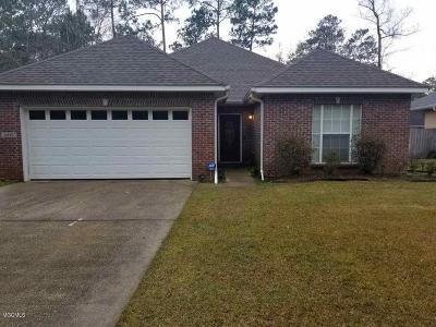Diamondhead Single Family Home For Sale: 8318 Analii St