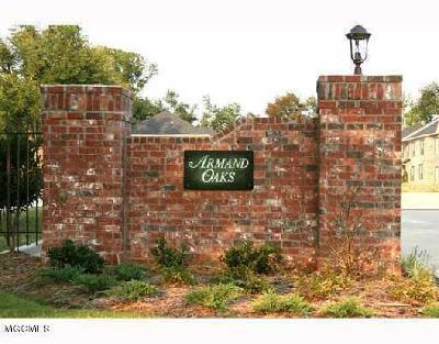Ocean Springs Condo/Townhouse For Sale: 122 Armand Oaks #122