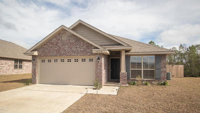 Gulfport Single Family Home For Sale: 14714 Canal Loop