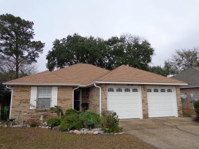 Biloxi MS Single Family Home For Sale: $141,900