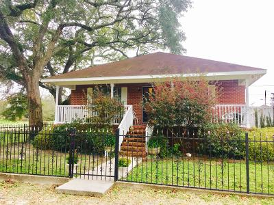 Biloxi MS Single Family Home For Sale: $97,500