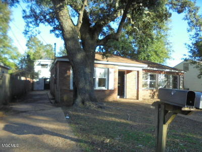 Gulfport Multi Family Home For Sale: 2704 Pine Ave