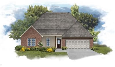 Gulfport Single Family Home For Sale: 15030 Belhaven St