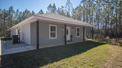 Long Beach Single Family Home For Sale: 6548 Simmons Dr