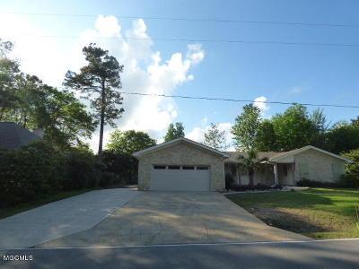 Diamondhead Single Family Home For Sale: 8712 Manini Way