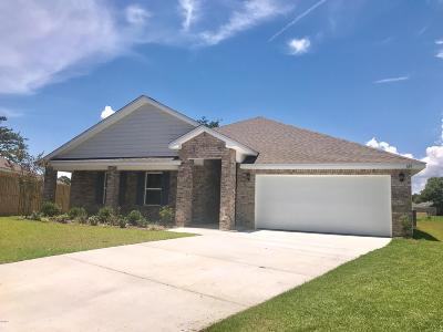 Long Beach Single Family Home For Sale: 626 Verbena Dr