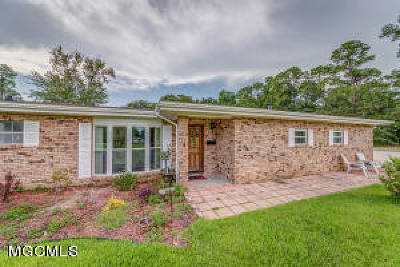 Gulfport Single Family Home For Sale: 54 53rd St