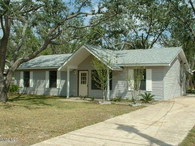 Ocean Springs Single Family Home For Sale: 8700 Neptune Ave